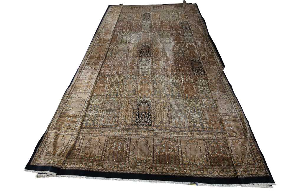 AN INDIAN CARPET OF GARDEN DESIGN - Image 10 of 10