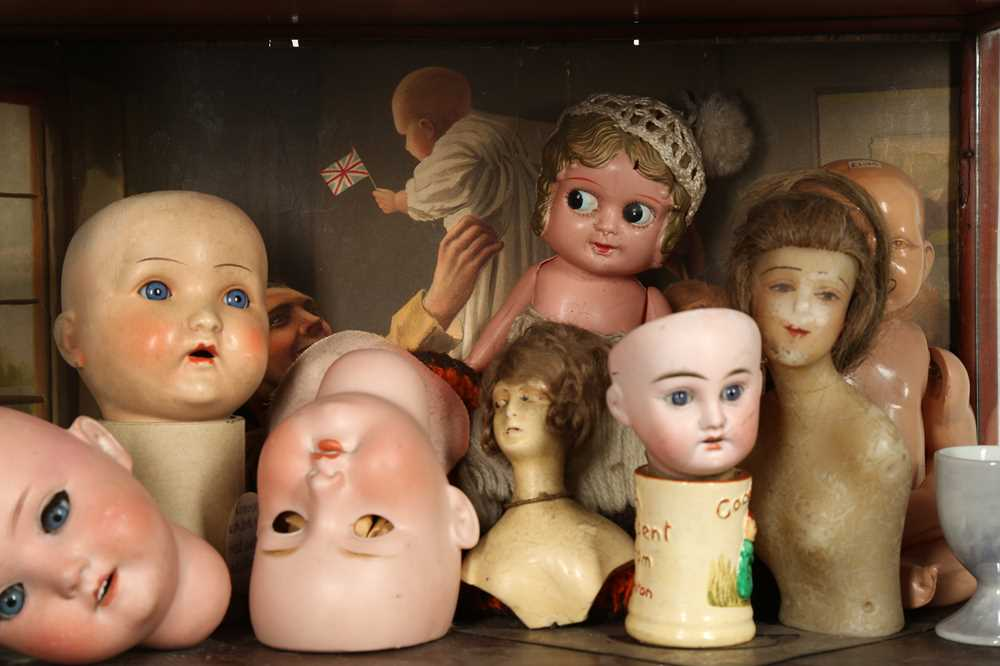 DOLLS: AN ARMAND MARSEILLE 390 BISQUE DOLL HEAD, EARLY 20TH CENTURY - Image 11 of 15