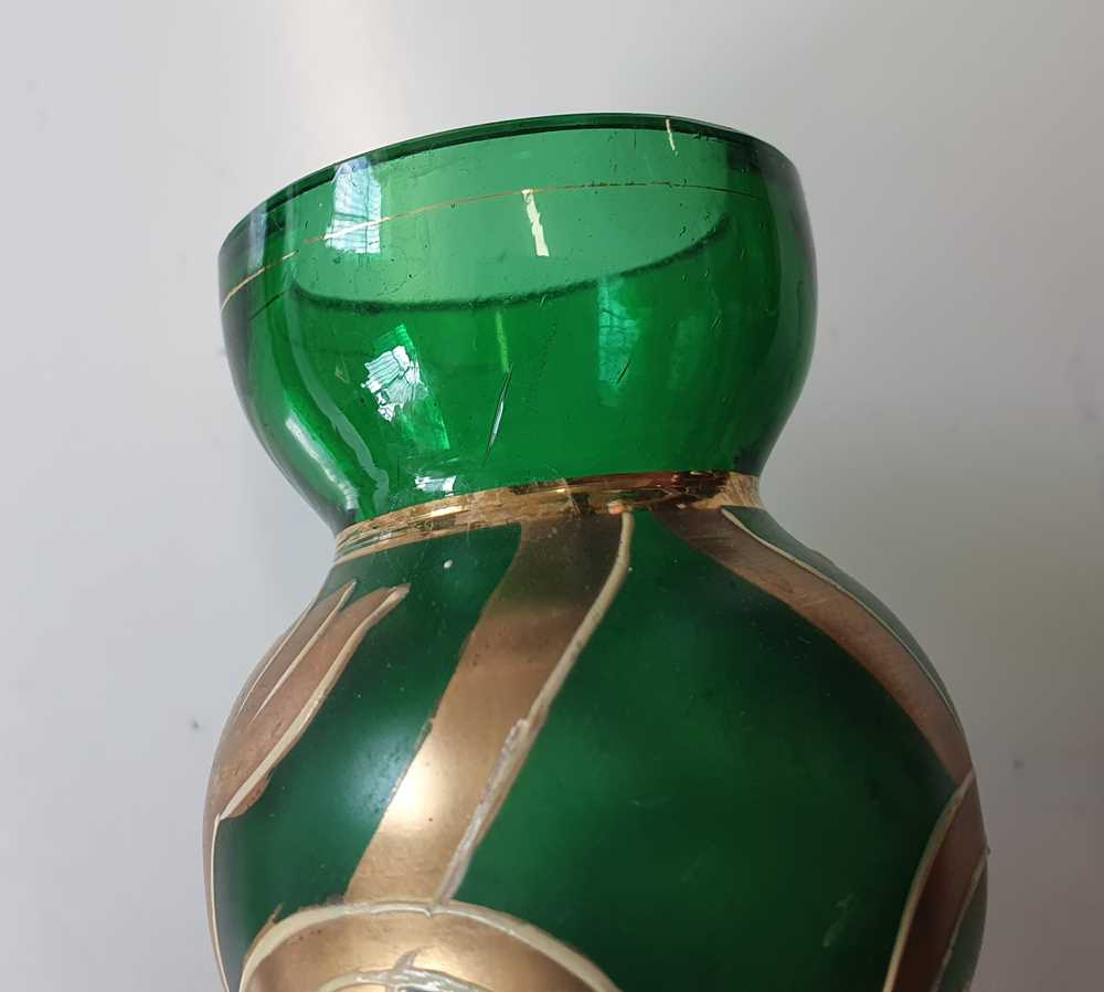 A CONTINENTAL GREEN BOTTLE VASE, LATE 20TH CENTURY - Image 9 of 12