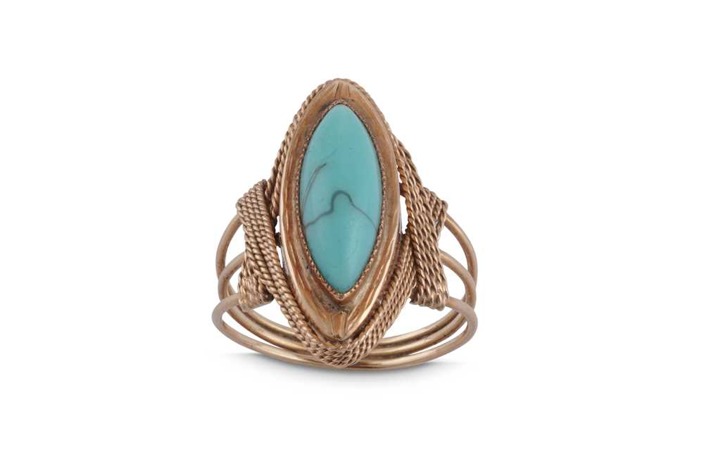 A SYNTHETIC TURQUOISE DRESS RING