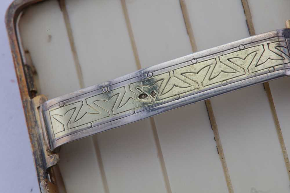 AN EARLY 20TH CENTURY FRENCH ART DECO SILVER MOUNTED IVORY CIGARETTE CASE, PARIS CIRCA 1910 BY JOSEP - Image 3 of 7