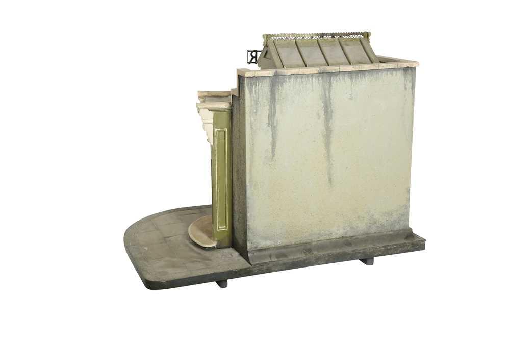MODELS: A SCRATCH BUILT MODEL OF A FLORIST'S SHOP, 20TH CENTURY - Image 4 of 6