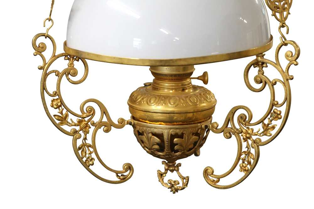 AN ANGLO INDIAN RISE AND FALL GILT BRASS HANGING LAMP, LATE 20TH CENTURY - Image 4 of 4