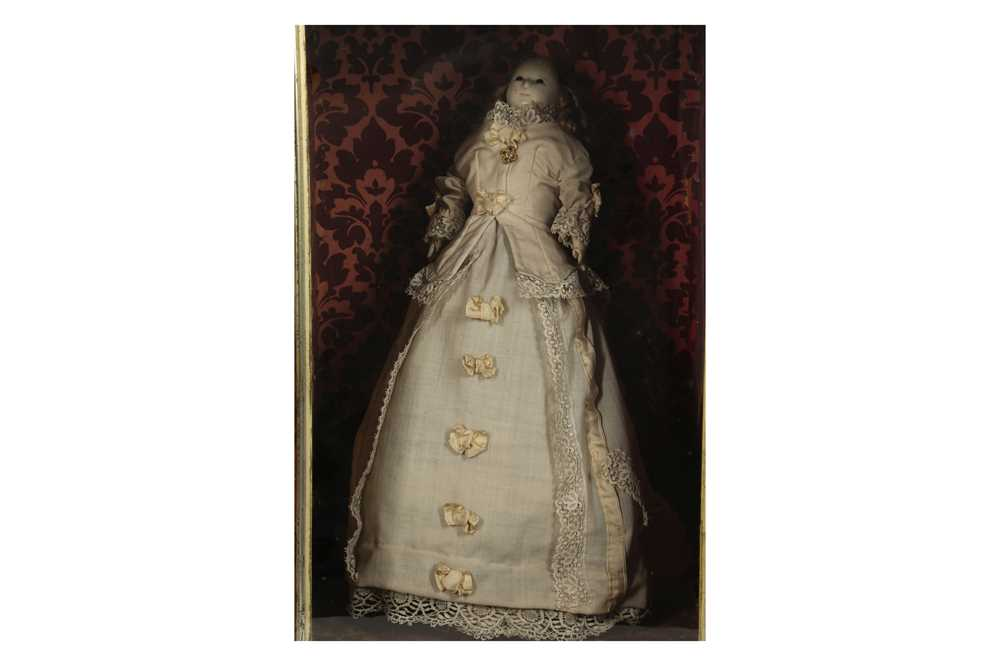 """DOLLS: A WAX HEADED """" MAD ALICE """" DOLL, PROBABLY 19TH CENTURY - Image 4 of 8"""