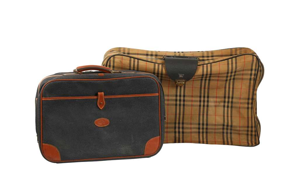 Two Vintage Suitcases Burberry Nova check and Mulberry