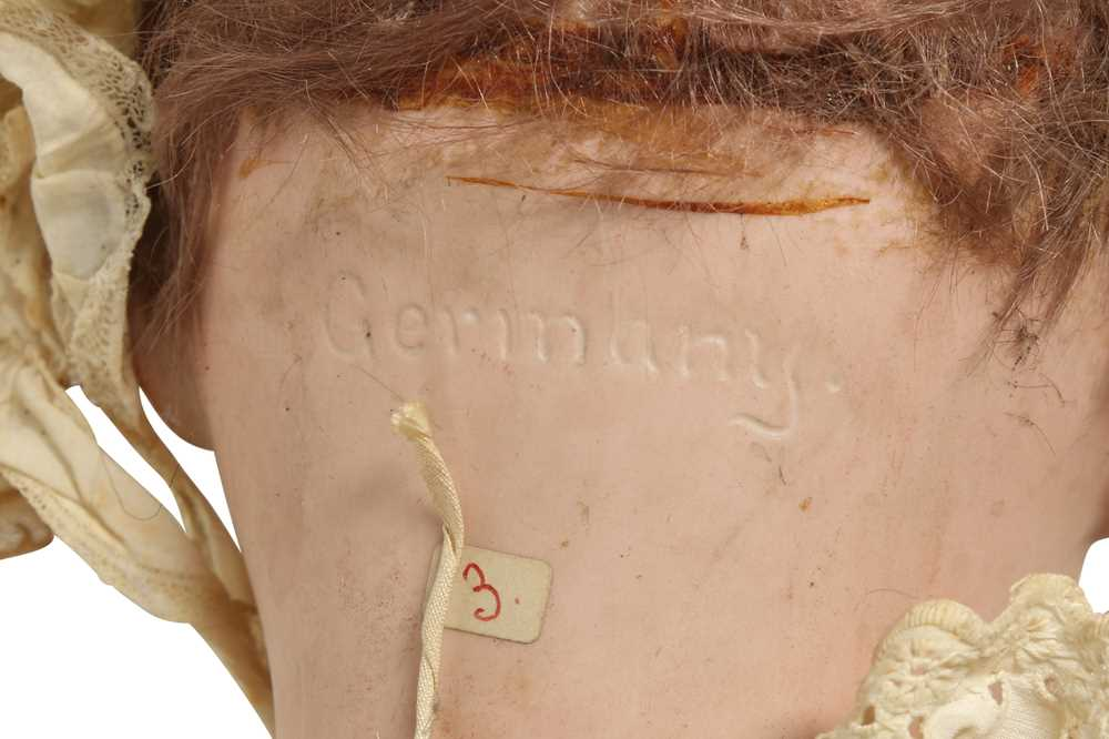 DOLLS: A GERMAN BISQUE DOLL - Image 4 of 4
