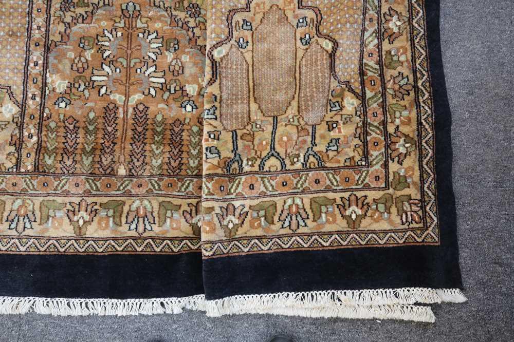 AN INDIAN CARPET OF GARDEN DESIGN - Image 3 of 10
