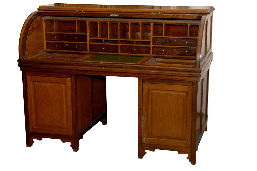 AN ANGLO INDIAN TEAK AND ROSEWOOD CYLINDER BUREAU, MID 20TH CENTURY - Image 3 of 4