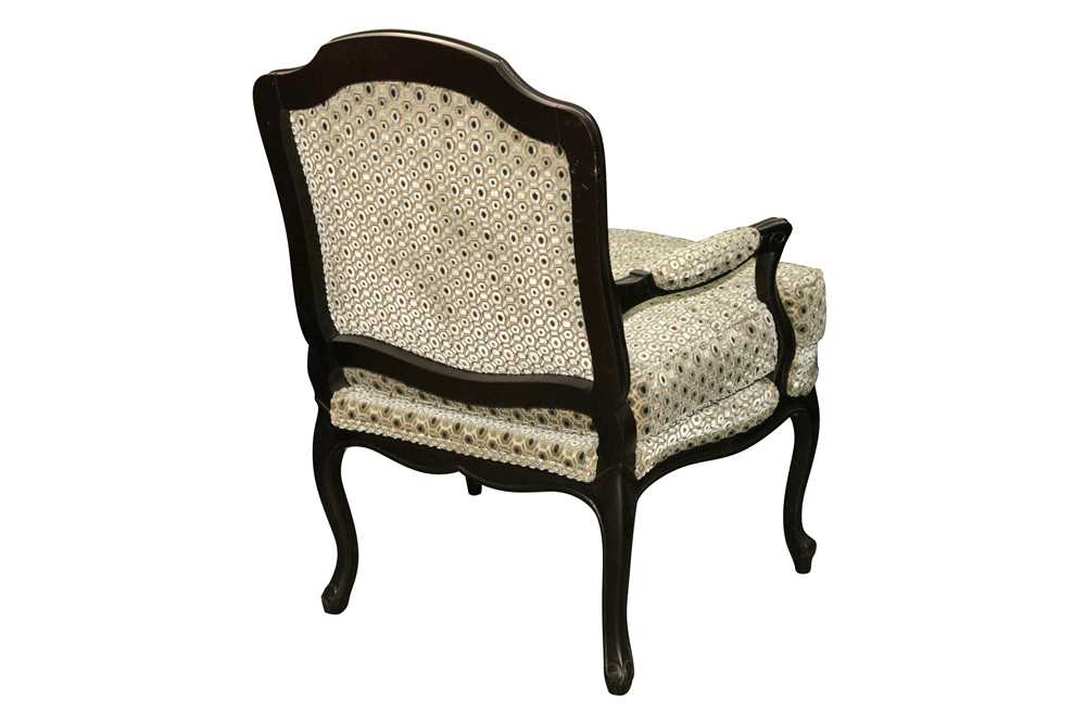 A FRENCH LOUIS XV STYLE EBONISED BEECH FAUTEUIL, LATE 20TH CENTURY - Image 2 of 2