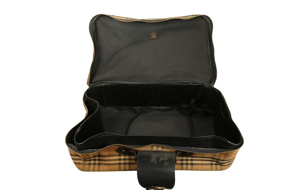 Two Vintage Suitcases Burberry Nova check and Mulberry - Image 5 of 10