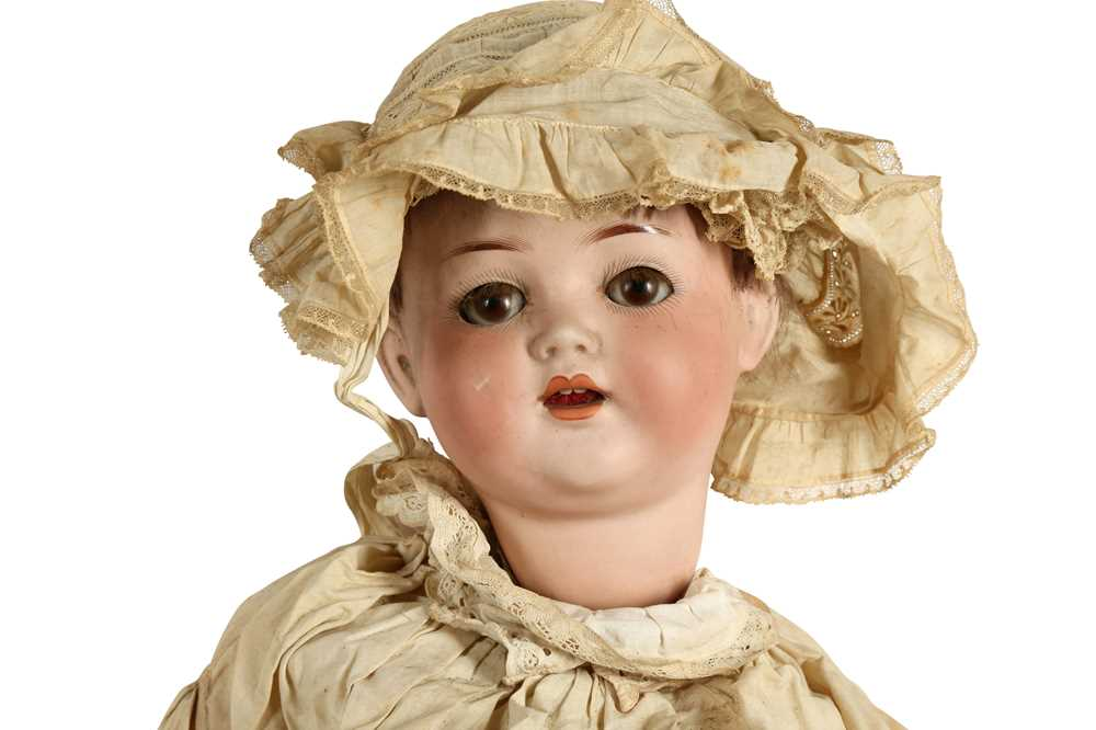 DOLLS: A GERMAN BISQUE DOLL - Image 2 of 4