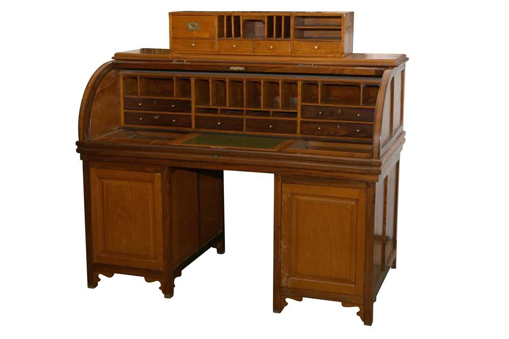 AN ANGLO INDIAN TEAK AND ROSEWOOD CYLINDER BUREAU, MID 20TH CENTURY - Image 4 of 4