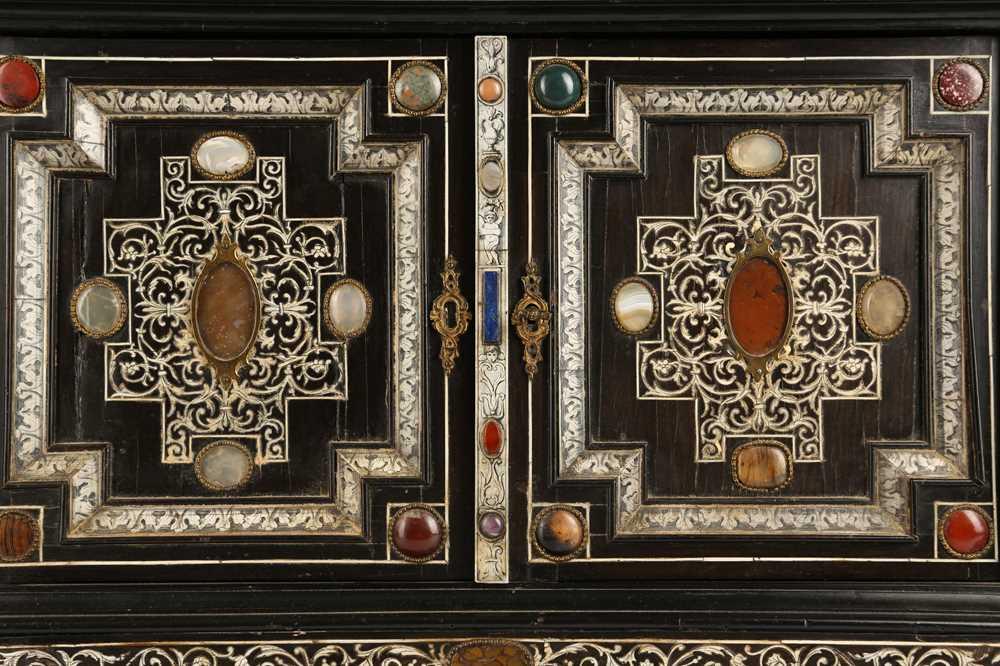 A 19TH CENTURY ITALIAN EBONISED, HARDSTONE AND IVORY INLAID TABLE CABINET - Image 11 of 12