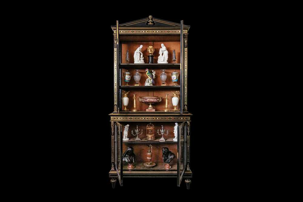 A FINE 19TH CENTURY FRENCH EBONISED BOOKCASE INLAID WITH IVORY, PEWTER AND STAINED TORTOISESHELL NAP