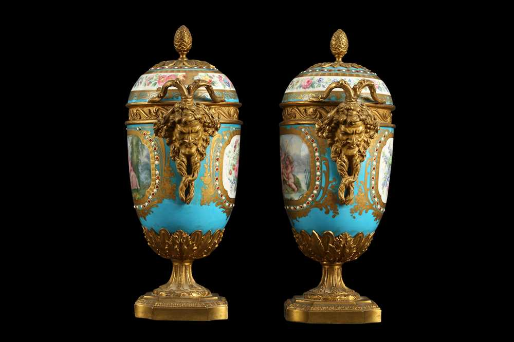 A PAIR OF 19TH CENTURY FRENCH SEVRES STYLE PORCELAIN AND ORMOLU MOUNTED URNS AND COVERS - Image 2 of 9