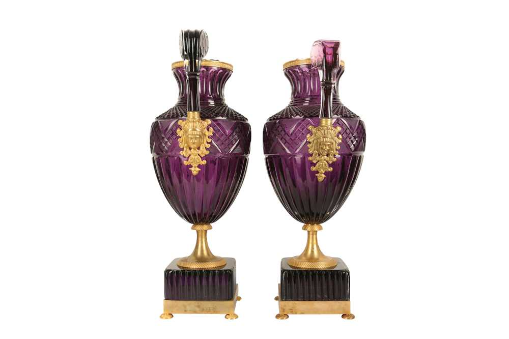 A PAIR OF LARGE 20TH CENTURY RUSSIAN AMETHYST GLASS AND ORMOLU MOUNTED VASES AFTER THE MODEL BY THE - Image 4 of 10
