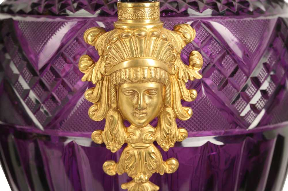 A PAIR OF LARGE 20TH CENTURY RUSSIAN AMETHYST GLASS AND ORMOLU MOUNTED VASES AFTER THE MODEL BY THE - Image 10 of 10