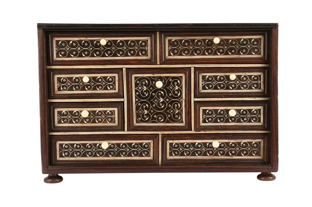 A LATE 17TH / EARLY 18TH CENTURY INDO-PORTUGUESE ROSEWOOD AND IVORY TABLE CABINET - Image 2 of 11