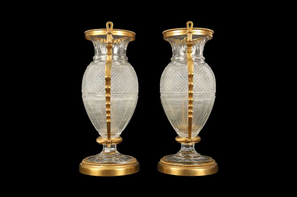 A PAIR OF BELLE EPOQUE STYLE BACCARAT GILT BRONZE MOUNTED GLASS VASES - Image 4 of 6