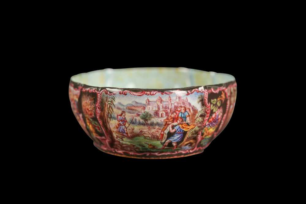 A LATE 19TH CENTURY VIENNESE ENAMEL BOWL - Image 4 of 6