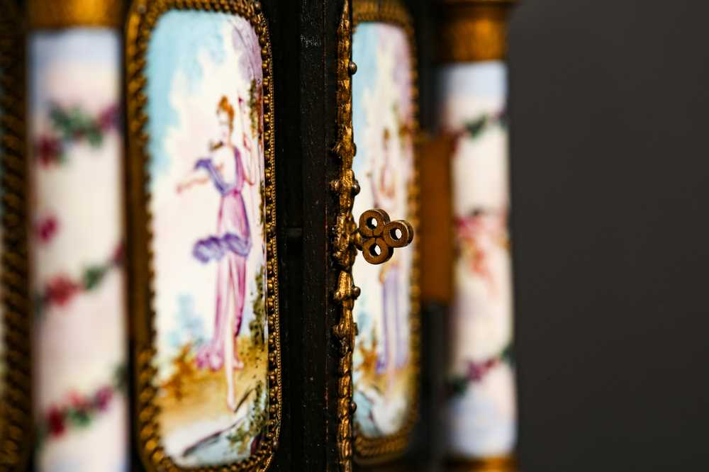 A LATE 19TH CENTURY VIENNESE ENAMEL MINIATURE TABLE CABINET - Image 4 of 9