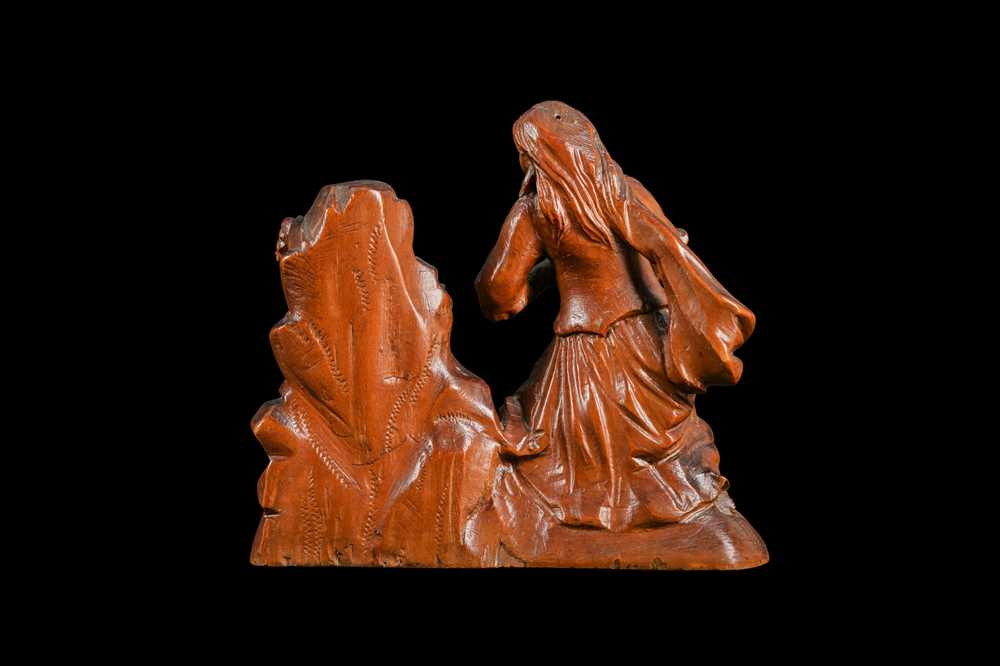A 17TH CENTURY SOUTH GERMAN CARVED BOXWOOD FIGURE OF THE PENITENT MAGDALENE - Image 3 of 6