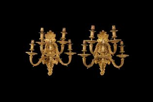 A FINE PAIR OF EARLY 20TH CENTURY FRENCH GILT BRONZE FIVE LIGHT WALL LIGHTS