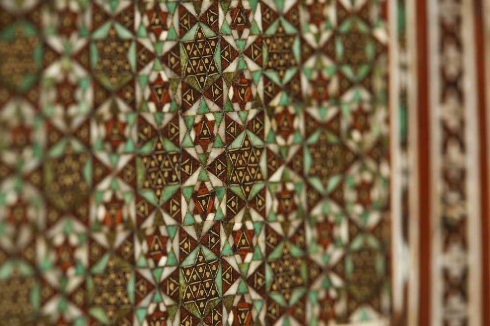 A 16TH / 17TH CENTURY AND LATER INDO-PORTUGUESE IVORY AND MICROMOSAIC INLAID TABLE CABINET GUJARAT O - Image 7 of 8