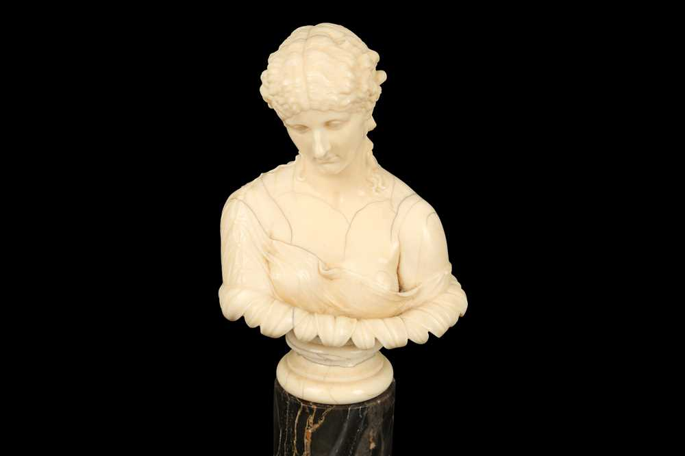 A 19TH CENTURY DIEPPE IVORY BUST OF CLYTIE, AFTER THE ANTIQUE - Image 2 of 5