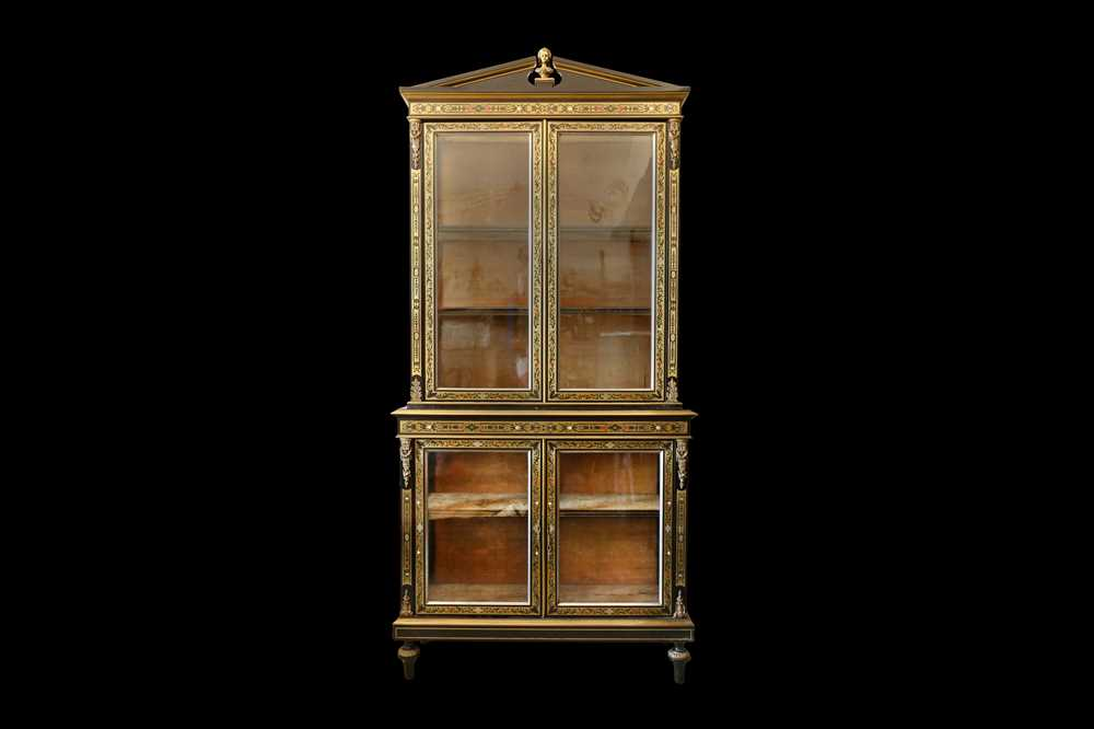 A FINE 19TH CENTURY FRENCH EBONISED BOOKCASE INLAID WITH IVORY, PEWTER AND STAINED TORTOISESHELL NAP - Image 3 of 7