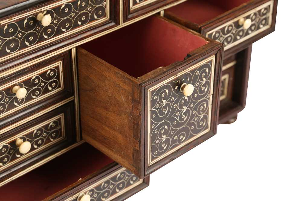 A LATE 17TH / EARLY 18TH CENTURY INDO-PORTUGUESE ROSEWOOD AND IVORY TABLE CABINET - Image 11 of 11