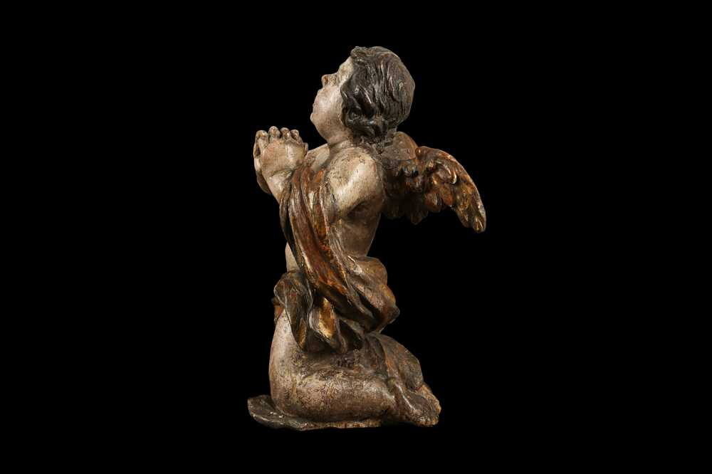 AN EARLY 17TH CENTURY SOUTH GERMAN POLYCHROME DECORATED AND CARVED WOOD FIGURE OF A CHERUB - Image 5 of 7