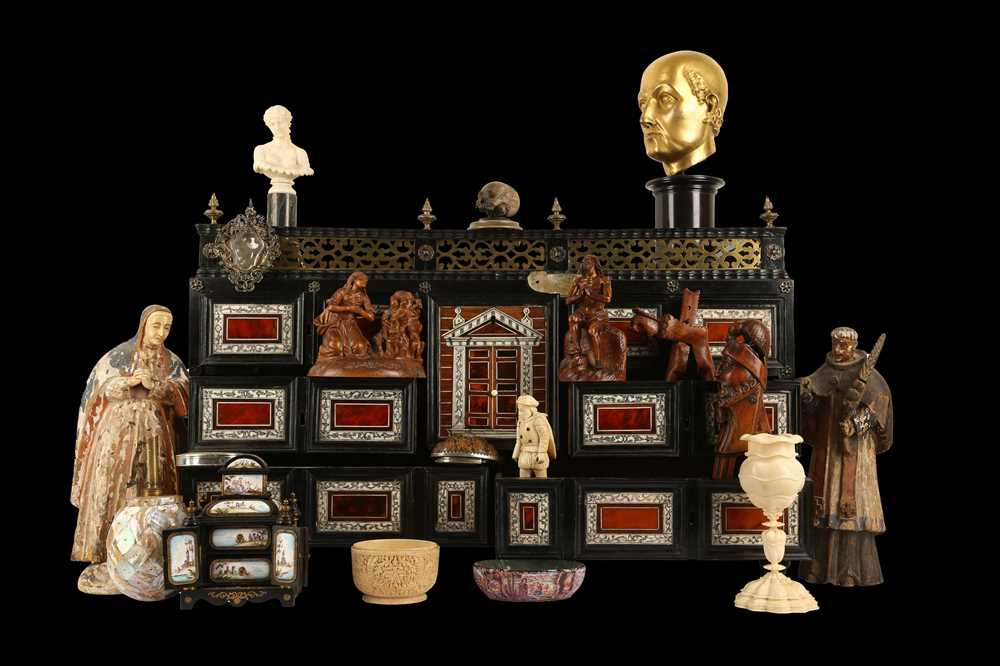 A 17TH CENTURY FLEMISH EBONY, TORTOISESHELL, IVORY, SNAKEWOOD AND BONE COLLECTOR'S CABINET