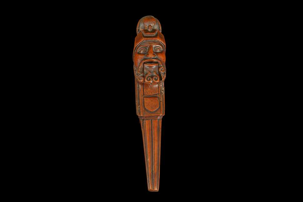 A 16TH CENTURY FRENCH RENAISSANCE CARVED BOXWOOD NUTCRACKER, CIRCA 1580 - Image 2 of 8