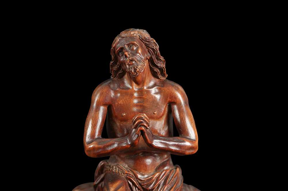 A 17TH CENTURY GERMAN CARVED BOXWOOD FIGURE OF CHRIST ON THE COLD STONE - Image 6 of 6