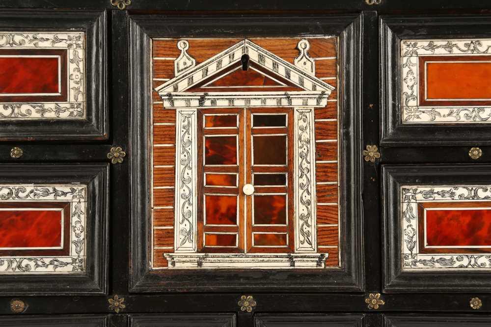 A 17TH CENTURY FLEMISH EBONY, TORTOISESHELL, IVORY, SNAKEWOOD AND BONE COLLECTOR'S CABINET - Image 7 of 12