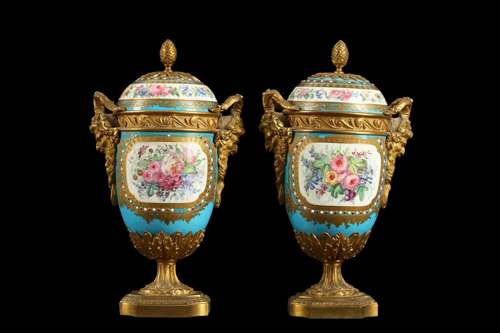 A PAIR OF 19TH CENTURY FRENCH SEVRES STYLE PORCELAIN AND ORMOLU MOUNTED URNS AND COVERS - Image 3 of 9