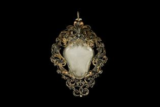 A 17TH CENTURY VENETIAN GILT METAL AND ROCK CRYSTAL RELIQUARY PENDANT