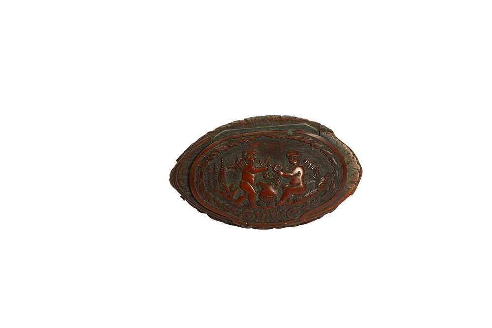 A RARE 18TH CENTURY COQUILLA NUT SNUFF BOX CARVED WITH A BEAST - Image 8 of 14