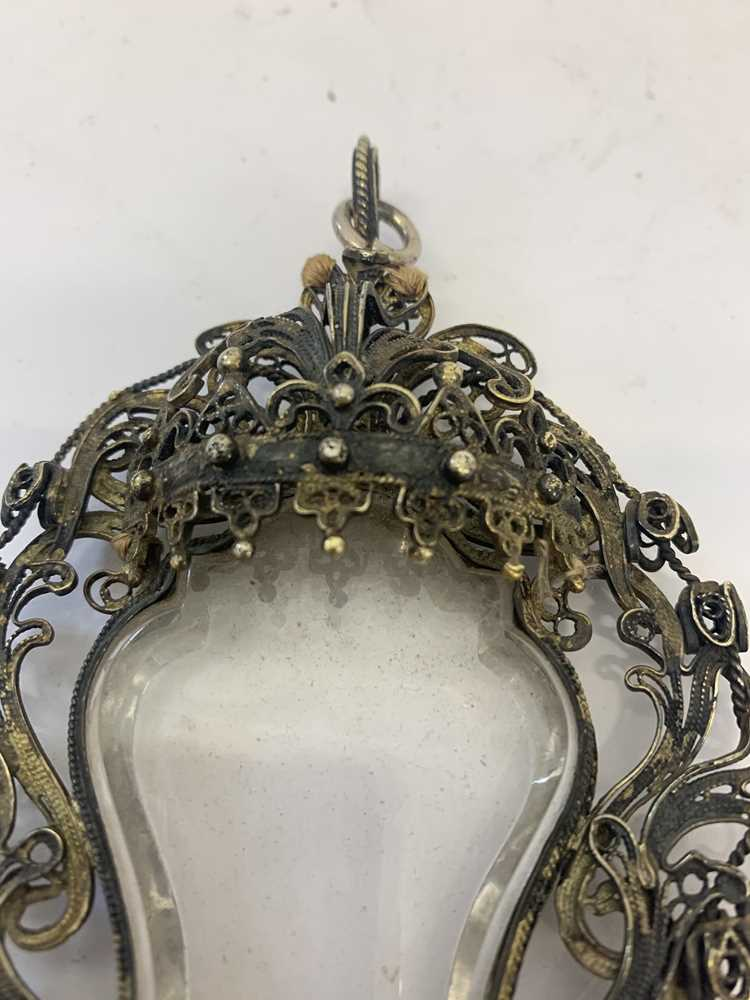 A 17TH CENTURY VENETIAN GILT METAL AND ROCK CRYSTAL RELIQUARY PENDANT - Image 7 of 7