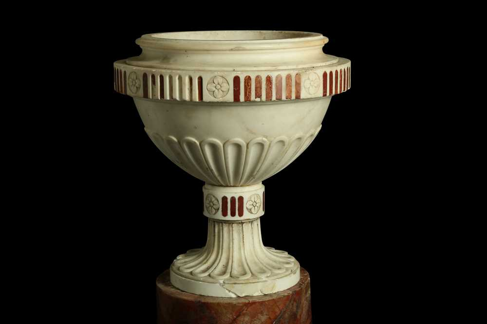 A LATE 18TH / EARLY 19TH CENTURY ITALIAN NEO-CLASSICAL MARBLE URN - Image 6 of 6