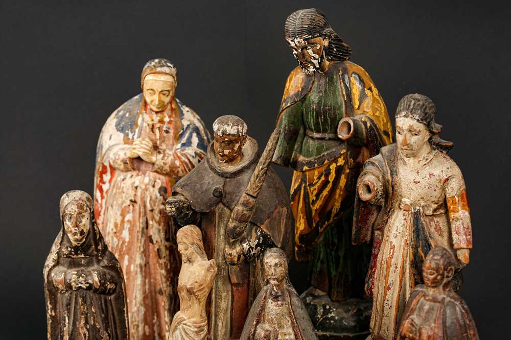 AN 18TH CENTURY PORTUGUESE COLONIAL FIGURE OF THE VIRGIN TOGETHER WITH SEVEN FURTHER FIGURES - Image 3 of 4