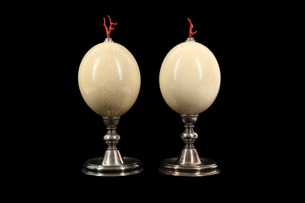 A PAIR OF MID-CENTURY OSTRICH EGGS MOUNTED WITH MEDITERRANEAN CORAL - Image 6 of 6