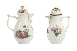A MEISSEN PORCELAIN COFFEE POT AND LID, 18TH CENTURY
