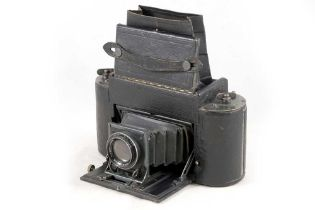 Graflex 1A Roll Film Camera.