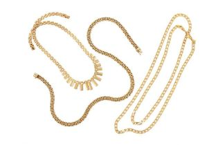 A COLLECTION OF GOLD NECKLACES