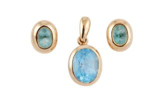 A PAIR OF BLUE TOPAZ EARSTUDS AND A PENDANT