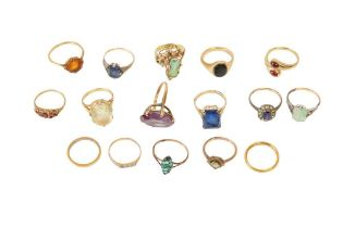 A LARGE COLLECTION OF RINGS