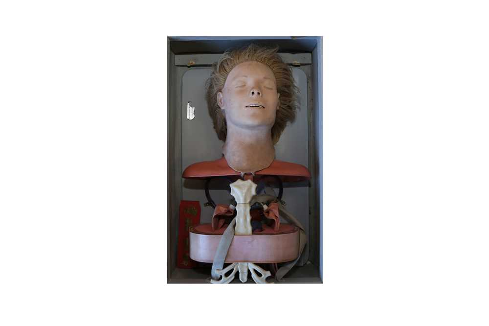 A 1950'S / 60'S CPR TEACHING DOLL 'ANATOMIC ANNE' BY ASMUND S. LAERDAL, NORWAY - Image 2 of 3