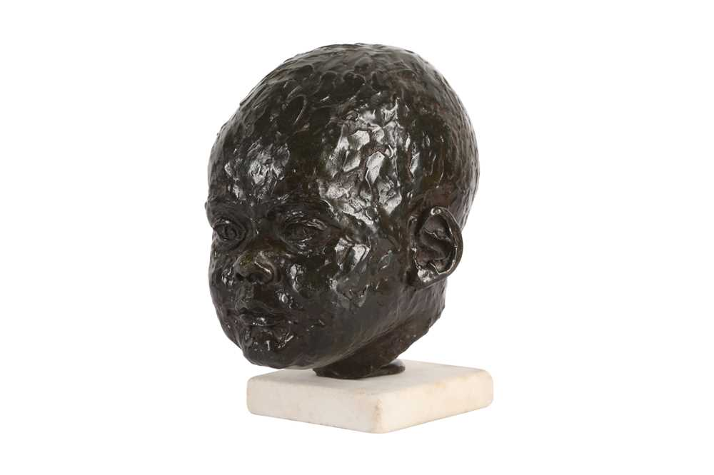 A BRONZE HEAD OF A BABY IN THE MANNER OF SIR JACOB EPSTEIN (BRITISH, 1880-1959) - Image 3 of 4